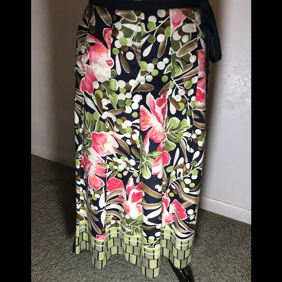 Talbots Dresses & Skirts - Talbots' Floral Skirt, size 2